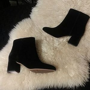 Franco Sartp black velvet booties sz 6.5